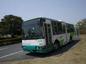 Bis yang melayani rute Gikadai-Toyohashi station